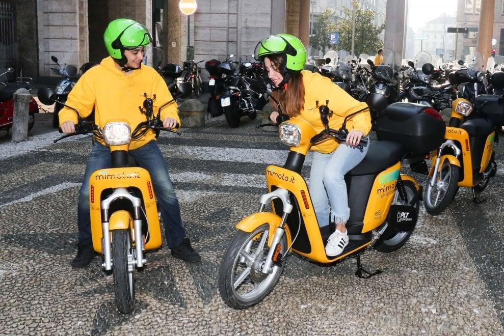 Milano ha di nuovo lo scooter sharing: ecco le motorette light della flotta MiMoto