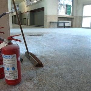 Raid in scuola nel Milanese, denunciati 13 minorenni per furto, invasione di edifici e deturpamento
