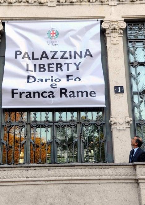 Milano, la Palazzina Liberty intitolata a Dario Fo e Franca Rame