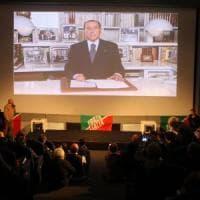 """Referendum Lombardia, Berlusconi in campo. Maroni: """"Lui è immortale, una garanzia"""""""