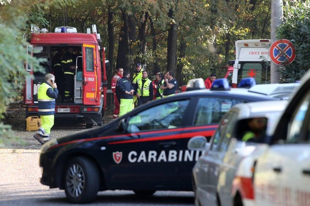 Varese, 20enne scomparsa nel bosco della droga: le ricerche dei vigili del fuoco