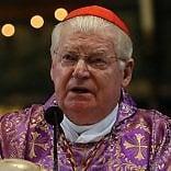 Per l'Ambrogino c'è  una candidatura che mette  tutti d'accordo: è  l'ex arcivescovo Scola