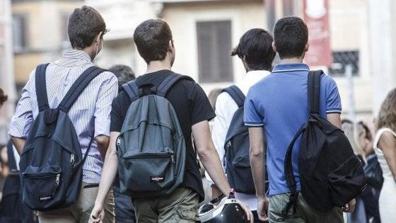 Alternanza scuola-lavoro, in Lombardia interessa 200mila ragazzi: piccole imprese ospitanti cercansi
