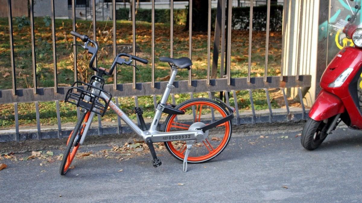 Bike sharing libero a milano bici pubbliche parcheggiate for Mobile milano bike sharing