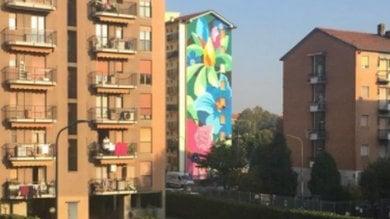 Foto  La street art che porta il bello nelle periferie, 300 mq di fiori per le donne