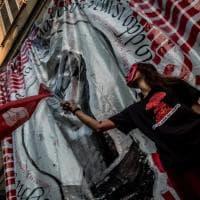 Milano, gli studenti del collettivo Lume occupano l'ex cinema Orchidea