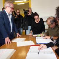 Referendum autonomia, i big al voto: Maroni, Zaia, Gori, anche nel seggio di Salvini un tablet è guasto
