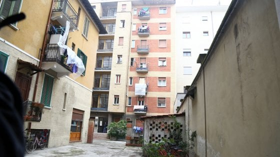 Milano - Cade un bambino dal settimo piano è grave