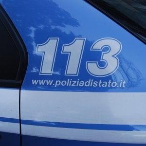 Milano, uomo trovato cadavere in una baracca: indaga polizia