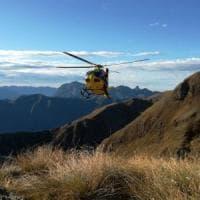 Montagna, escursionista muore precipitando in un dirupo nel Bergamasco
