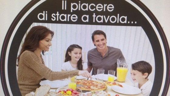 """Bambini in pizzeria, il titolare del locale: """"Devono restare seduti"""". Polemica su Tripadvisor"""