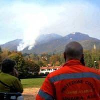 Incendio nell'area protetta del Varesotto, ancora fiamme: devastati 2,5 ettari di parco