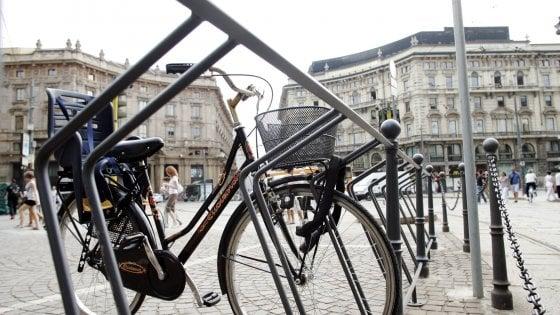 Milano, 124 nuove rastrelliere contro il bike sharing selvaggio