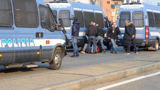 Milano, coltello e spray urticante all'entrata di San Siro: arresto e daspo per ultras del Torino