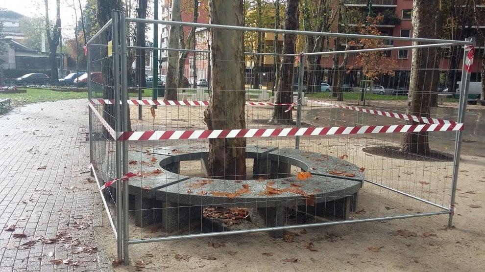 Milano, sistemate le panchine di viale Rimembranze