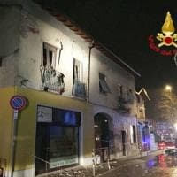 Apre il gas e fa esplodere il suo appartamento nel Milanese, 50enne gravemente ustionato