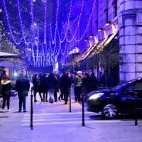 Milano, prove di Natale in Sempione: si accendono luminarie, corsa alla foto