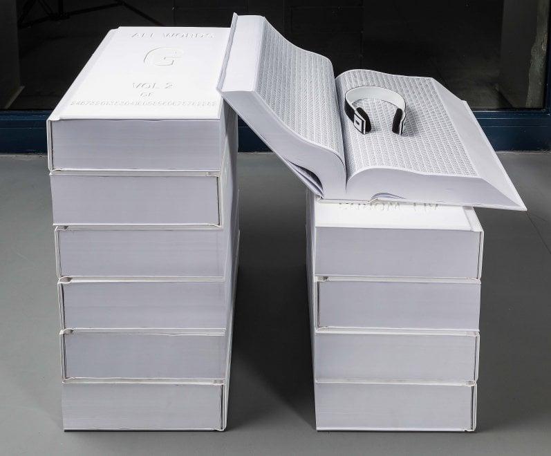 In mostra a Milano tutta la potenza della carta, dal disegno alla scultura