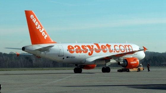 Malpensa, strano odore in cabina sul volo EasyJet: atterraggio d'emergenza, equipaggio in infermeria