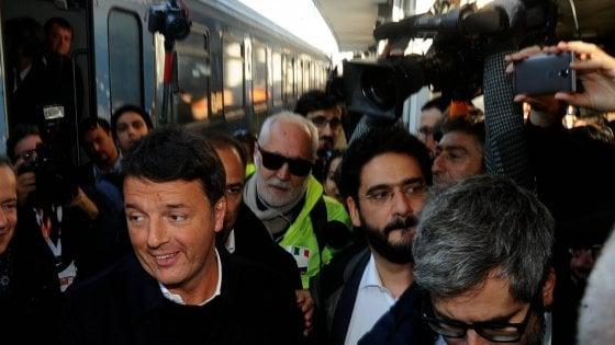 """Renzi in Lombardia con il treno del Pd: """"Sport, periferie e salute: ripartiamo da Milano per vincere"""""""