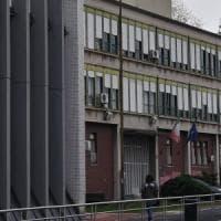"""Carceri, poliziotto arrestato per corruzione e spaccio al Beccaria: """"200 euro per un..."""