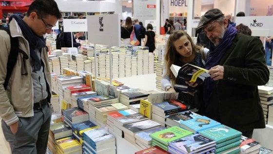 """Milano domina la community dei lettori social, il fondatore: """"Me ne stavo da solo in libreria, ora un maxi raduno"""""""