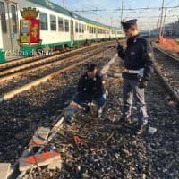 Furti di rame in stazione Centrale a Milano, arrestato sui binari: