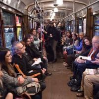 """Bookcity, i lettori sul tram per scoprire la """"Milano underground"""""""