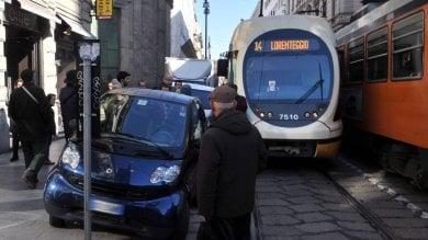 Bus e tram bloccati dalla sosta selvaggia  1.250 ore  di stop, danni per 750mila euro