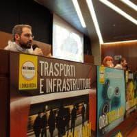 """M5s in Lombardia: """"Con noi stipendi dimezzati al Pirellone e meno tasse per le imprese"""""""