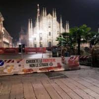 Blitz di Casa Pound nel centro di Milano, striscioni razzisti sulle barriere ant...