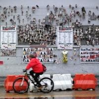 Violenza sulle donne, le panchine rosse e un nuovo muro delle bambole: le