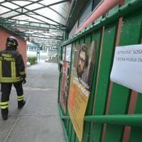 Corsico, fuga di gas a due passi dalla scuola: evacuati i bambini