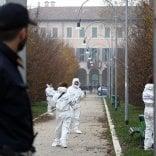Autopsia sul corpo della donna uccisa nel parco: ok alla sepoltura