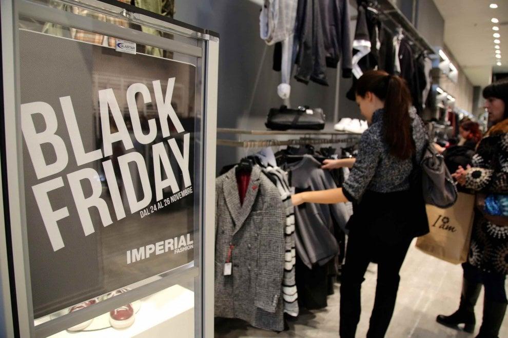 Black friday formato maxi la corsa allo shopping di for Black friday 2017 milano