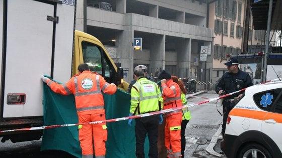 Monza: esce dal supermercato, investita e uccisa da un camion in manovra