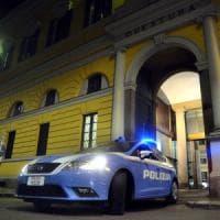 Milano, pregiudicato gambizzato tra i palazzi popolari