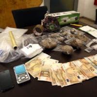Milano, gli trovano la droga in cucina: buttafuori reagisce a colpi di arti marziali