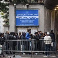 Milano, rilasciavano carte di soggiorno false: sei poliziotti arrestati per corruzione