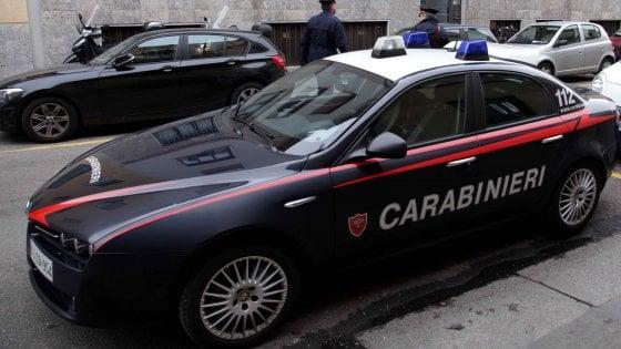 Varese trovato cadavere di un uomo incappucciato e legato a un albero