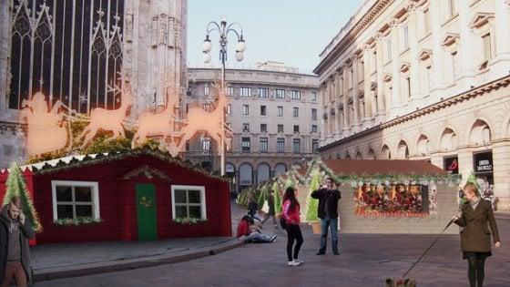Natale la casetta dei regali al mercatino di piazza duomo for Il mercatino milano