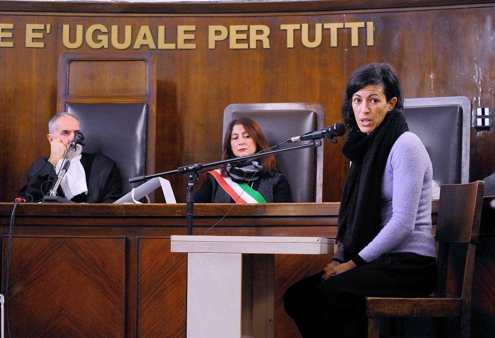 Dj Fabo, in aula anche la fidanzata: fuori dal Tribunale presidio pro Cappato