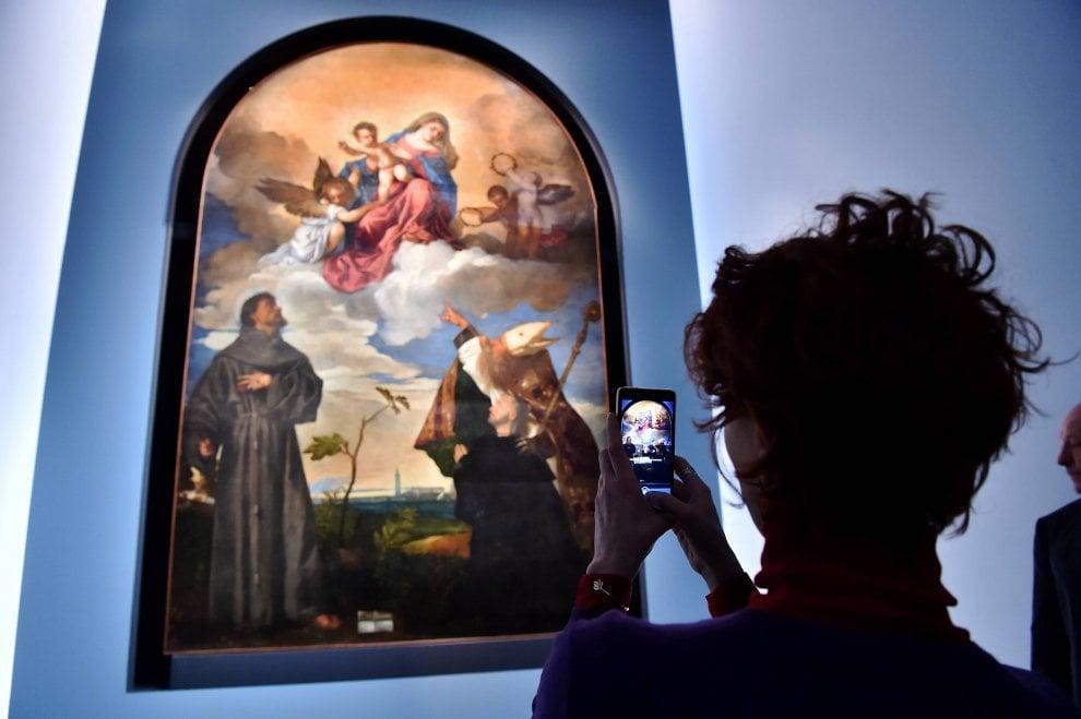 Natale a Milano, il Comune regala l'arte: a Palazzo Marino c'è Tiziano