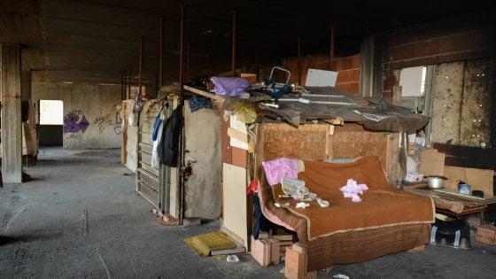 Assolti sette nomadi sgomberati dal campo rom, il tribunale di Milano:
