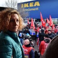 Mamma licenziata da Ikea, il caso in Parlamento. Il ministro Poletti: