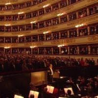 Prima della Scala, il toto-parterre delude: annunciati pochi famosi, Boschi nel palco reale
