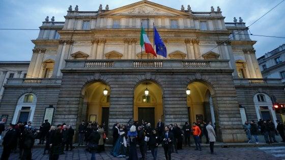 Scala, tutto blindato per la Prima: antagonisti in piazza con la 'baracca occupata'