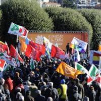 Como, la manifestazione antifascista sul lungolago