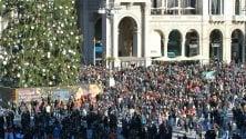 Folla delle grandi occasioni in centro: in coda per l'arte, a sorpresa un concerto jazz