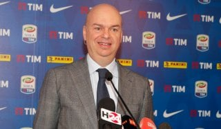 Milan, Fassone: ''Classifica preoccupa, Uefa no''